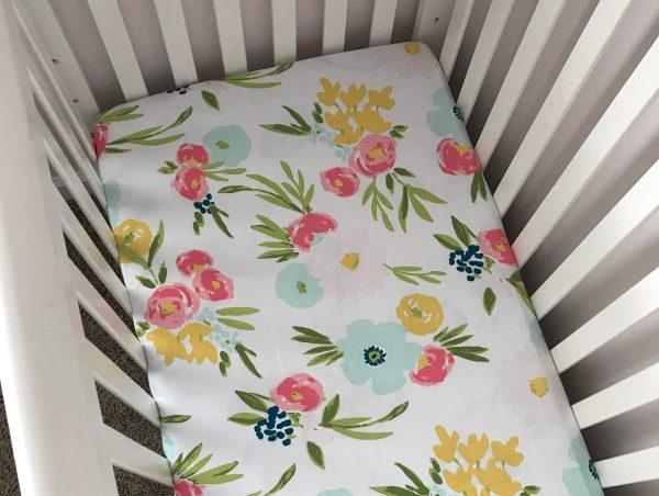 Mini Crib Sheet Tutorial | Crib Sheet DIY | Diy Sheet | Baby | Mini Crib | Crib Sheet | Sheet Tutorial | Easy Diy Sheet | Baby Sewing | Baby Nursery | Simple tutorial ON Six Clever Sisters, turn a full size crib sheet into a MINI crib sheet!