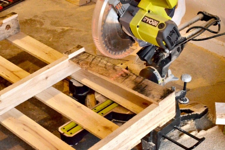 pallet-project-upcycled-pallet-table-1