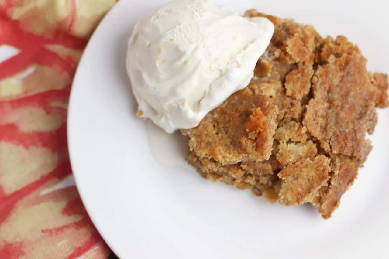 Pumpkin and apple have never tasted so good! Grab a plate of amazing fall tastes with this easy dump cake recipe. This pumpkin apple dump cake is perfect for any crisp fall day, Thanksgiving and more!