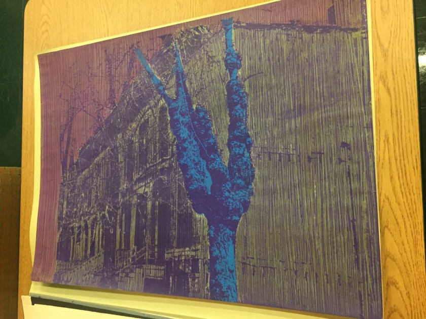 "Jose Williams. ""East 38th Street,"" 1975. A tree (in blue) stands starkly against a distant row of buildings (in yellow). Courtesy of Illinois Institute of Technology, Paul Galvin Library, Special Collections ."