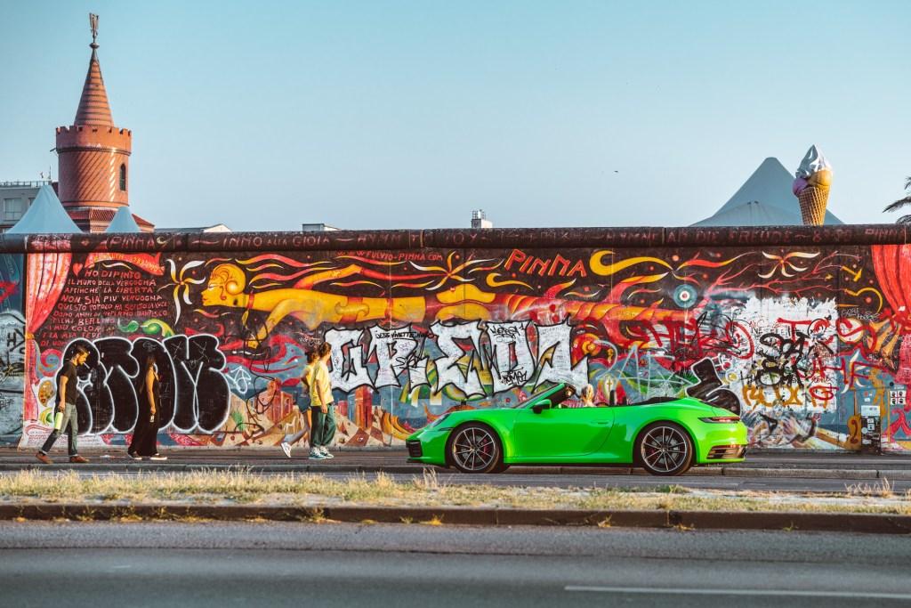 sixtysix mag berlin wall porsche 911 bose
