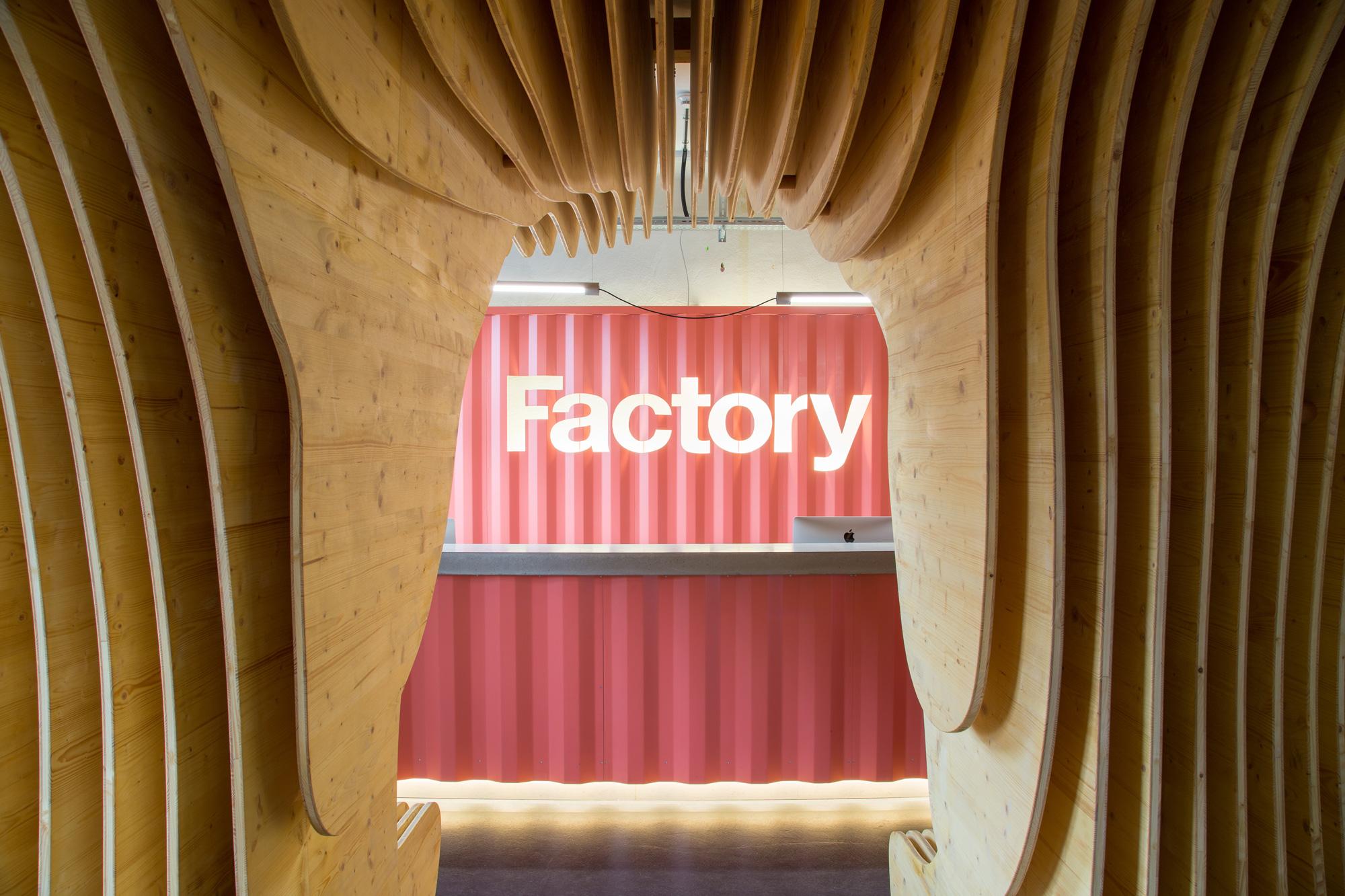 sixtysix mag factory berlin entrance
