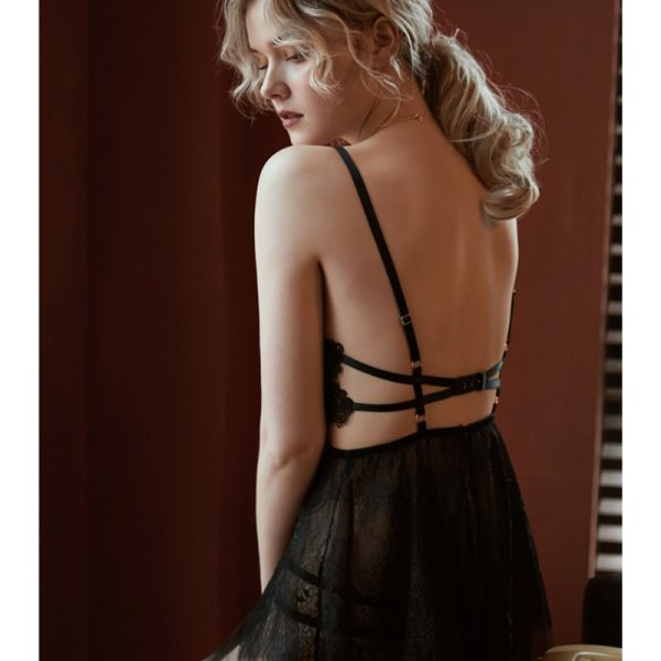 Backless V-neck lace nightgown with thong