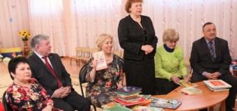 Журналисты подарили детскому саду книги