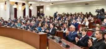 Айрат Зарипов наградил победителей антикоррупционного конкурса среди журналистов