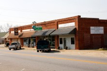 Storefront family medical clinic in downtown Doerun GA