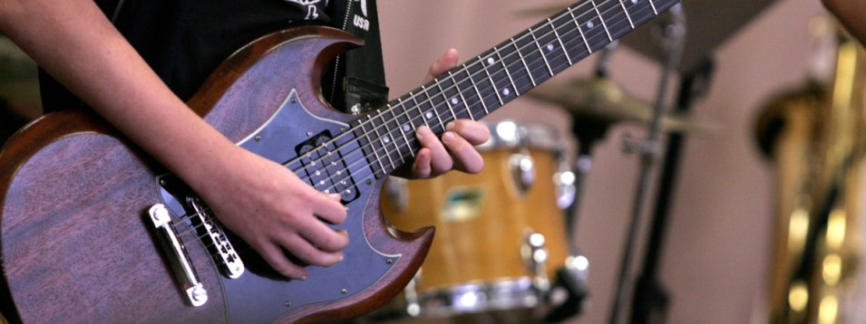 Zoom online guitar lessons by SJG School of Music