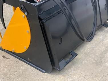 Bobcat-skid-steer-bucket-grab (7)