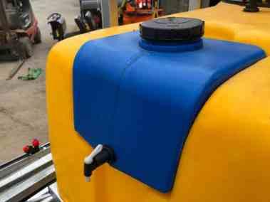 Tractor-mounted-crop-fertiliser-sprayer (9)