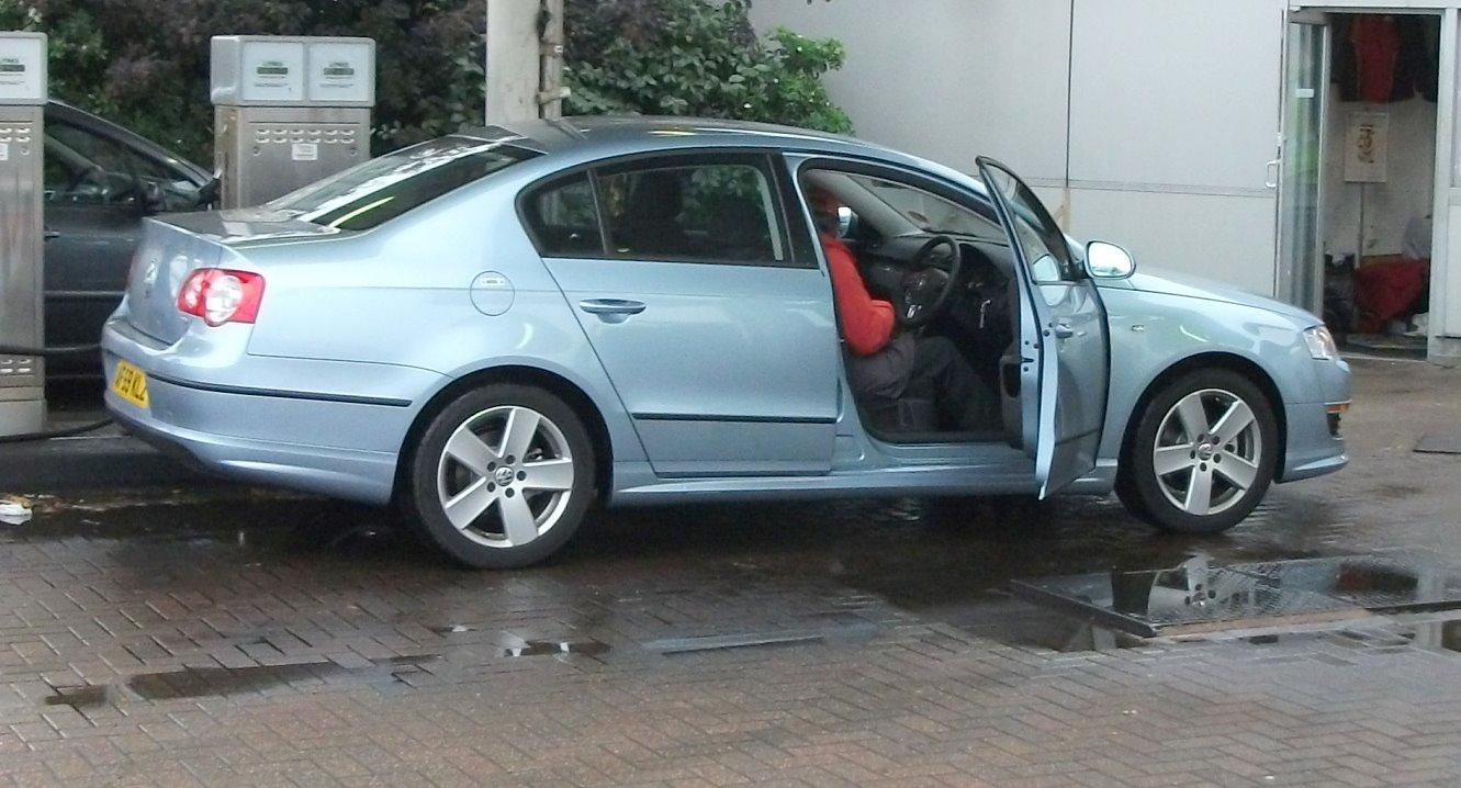CLAW 09 - Stupid German Hire Car