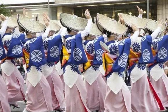 阿波踊り2016芸能人やゲストの会場は?日程や交通規制は?
