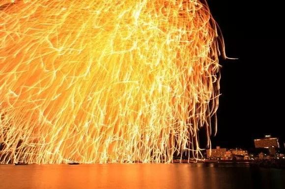 白浜花火大会の穴場スポット2018と開催日程や駐車場は?