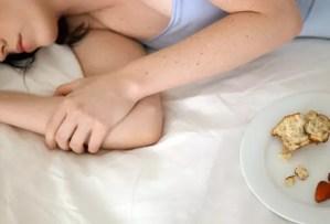 寝る前に食べて良い物と悪い物はコレ【美肌の秘訣】