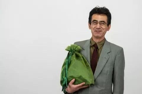 父親が喜ぶ定年退職祝いのプレゼントおススメ5選!