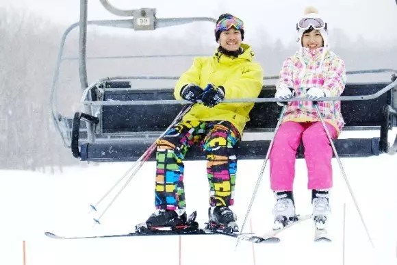 スキーの持ち物リスト【初心者・子連れ・日帰り・一泊】