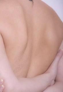 肩甲骨はがしで肩こりや肩甲骨の痛みやしびれを一発解消!