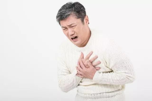 胸焼けの対処法や解消法!吐き気やゲップを伴う場合は?