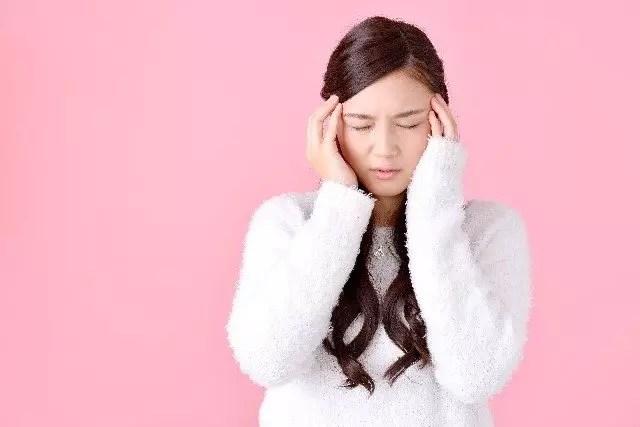 頭痛を緩和する作用のある食べ物や飲み物おすすめ20選!