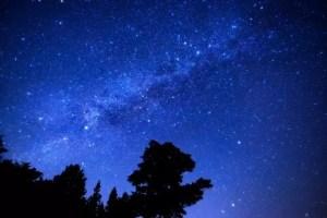 おうし座流星群2018はいつ?方角やピークの時間は?