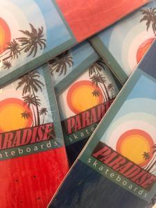 Read more about the article Paradise skateboards, les boards pour ton Noël