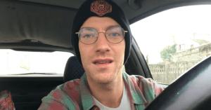 Apprendre à faire du skateboard avec Loïc English