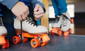 lacing up roller skates