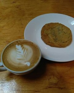 Skagit County Coffee  Ristretto Latte and Cookie