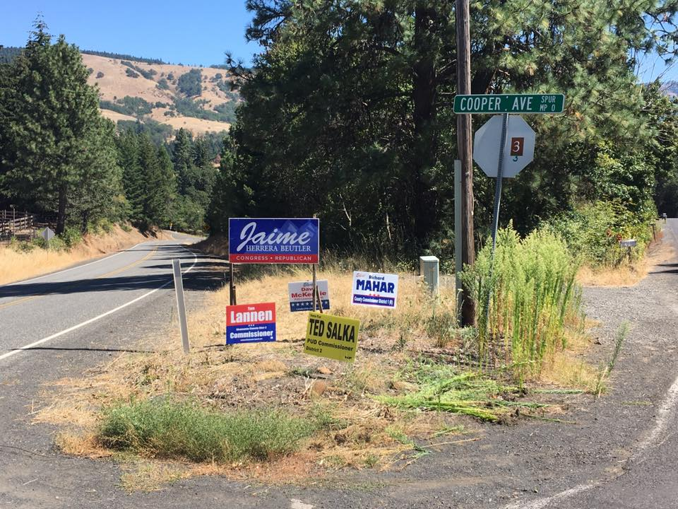 Signs In District 3 2016