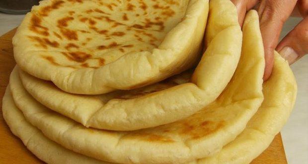 Пухени турски хлебчета на тиган - греховно вкусни и лесни като детска игра. Вадете брашното и да започваме