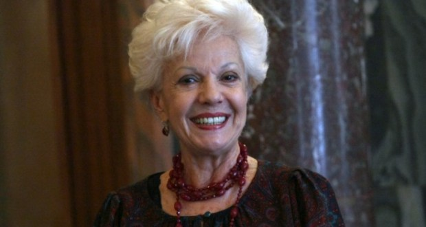 Райна Кабаиванска: Питам се имало ли е турско робство