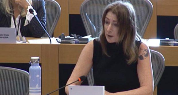 Ирландският евродепутат Клеър Дали: Спрете парите на тези бандити на власт в България