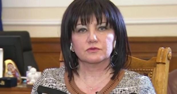 Стела Николова: Г- жа Караянчева да проумее че не всички в тази държава са избиратели на ГЕРБ
