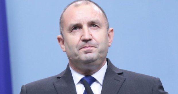 След Борисов: Радев става премиер в сянка прави средната заплата 2000 лв.!