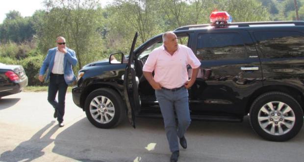 Илиян Василев: С джипката Борисов следва маршрута на неговата корупция