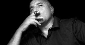 Певецът Стоян Михалев: През 90-те МУТРАТА Бойко Борисов РЕКЕТИРА мои роднини С БУХАЛКА в ръка!