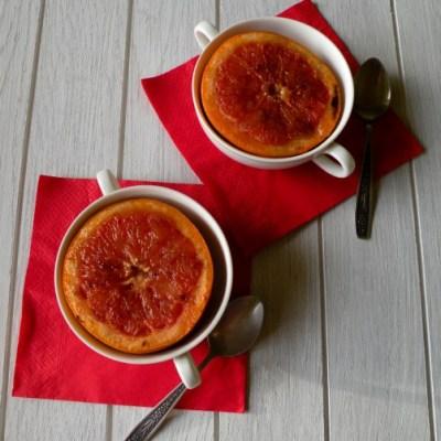 Pusryčiams – kepti greipfrutai