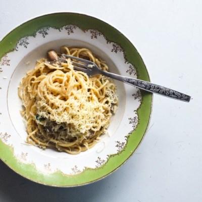 Spaghetti su pievagrybiais