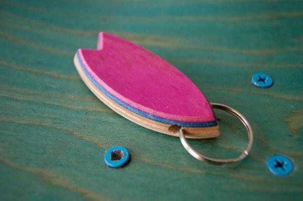 Skatan LLC – Surfboard Keychain Skateboarding Upcycling- Surfboard Keychain Skateboarding Upcycling Shop