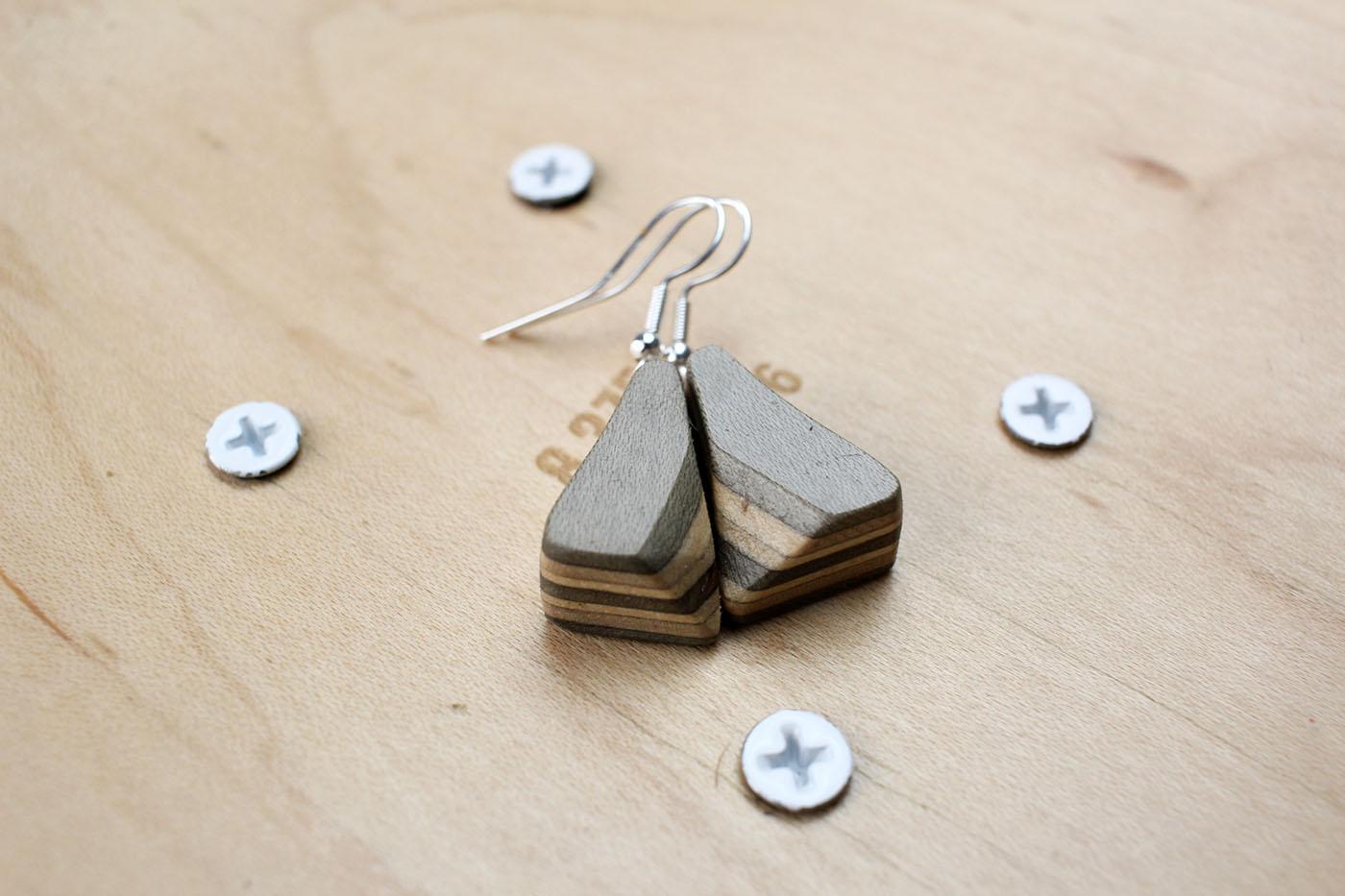 earrings skatan llc41