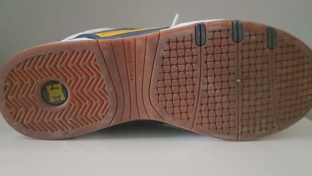 Dc legacy slim 98 skate shoes3