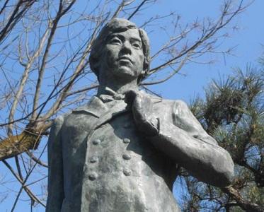 田辺朔郎銅像