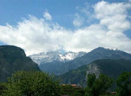 オリュンポス山遠景