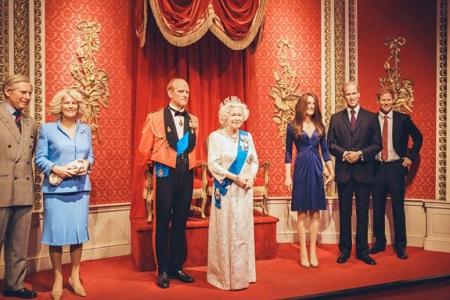 エリザベス女王一家の蠟人形