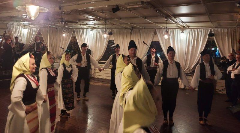 Rijeka: Aplauzi i pozivi na bis riječke publike obilježili početak Dana kulture Srba