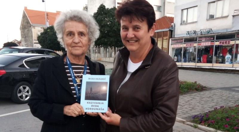 Književnica Milka Kajganić darovala svoju novu knjigu glinskom pododboru