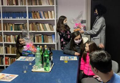 Uručeni pokloni djeci za učestvovanje u nagradnoj igri