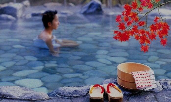 Visite uma fonte termal - 5 onsen para visitar no Japão - onsen lago 2