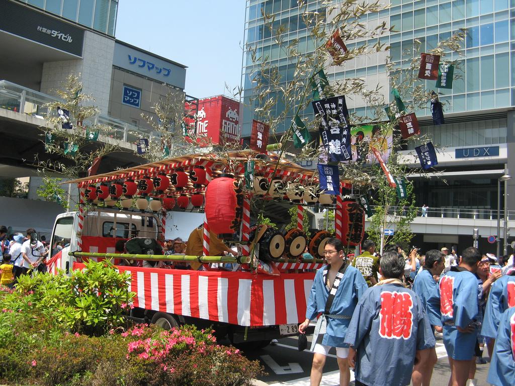 Coisas para se fazer em Maio - Japão - Festivais e eventos de maio - Kanda Matsuri 2009 5 Ohayashi in Akihabara 2