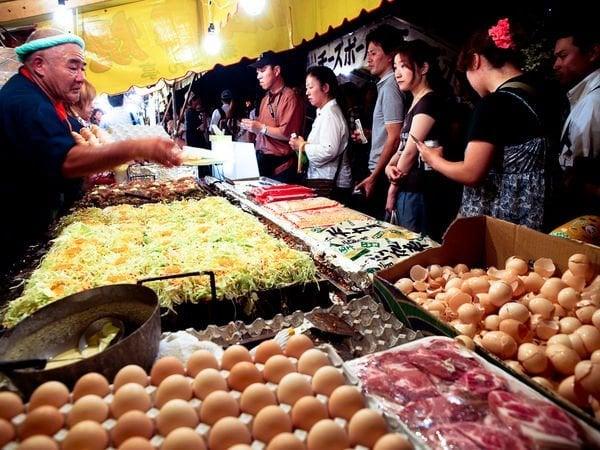 Yatai - conheça as comidas de rua do japão okonomiyaki