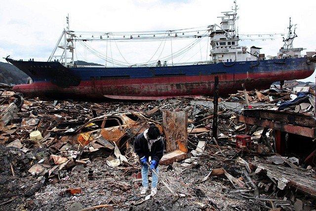 Os 10 piores terremotos do Japão - tsunami no japao 1
